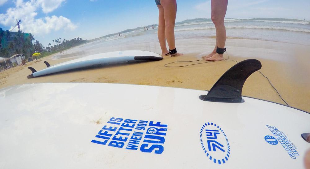 the-sidewalk-secrets-surf-travel-blog-sri-lanka-welligama-surf-instructor-8