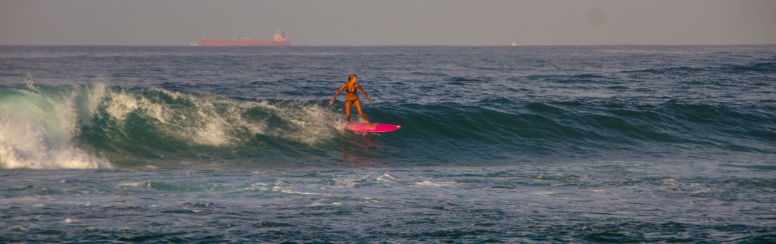 the-sidewalk-secrets-travel-blog-surf-sri-lanka-midigama-mirissa-surfing-sunset-15