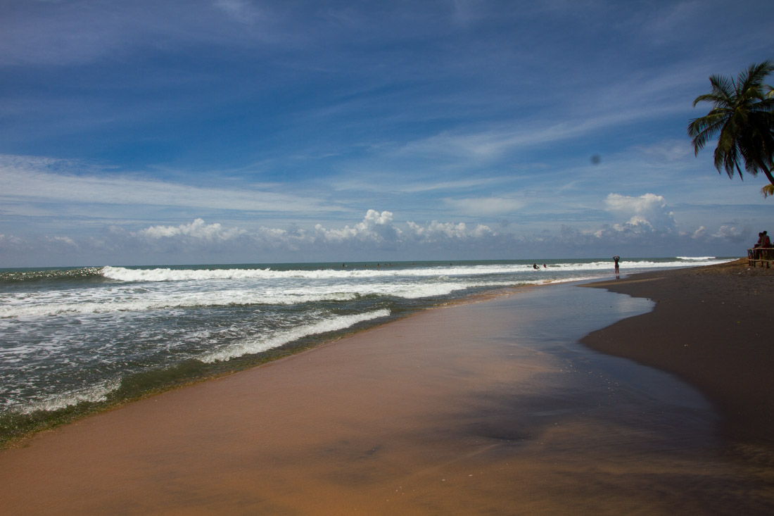 surf-bums-in-sri-lanka-living-the-dream-arugam-bay-6