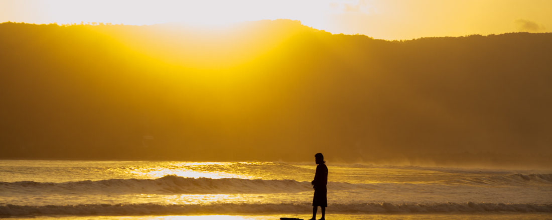 the-sidewalk-secrets-travel-blog-surf-surfing-sunset--9