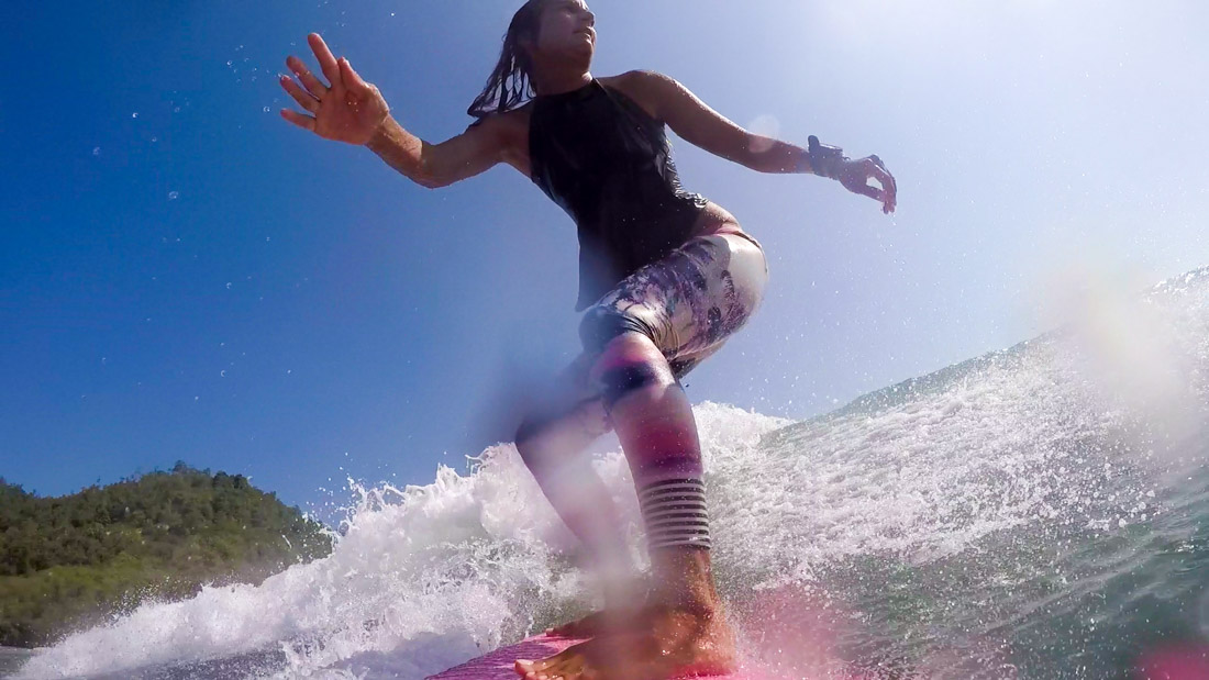 surfing-indonesia-gurfer-surferchicks-surfergirls-love-gopro-hero-2