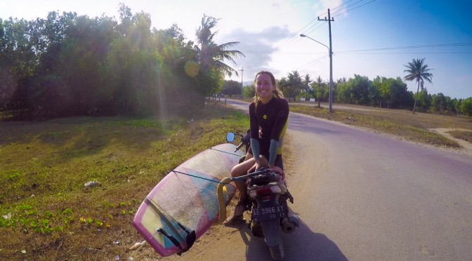 surfing-indonesia-gurfer-surferchicks-surfergirls-love-gopro-hero-7