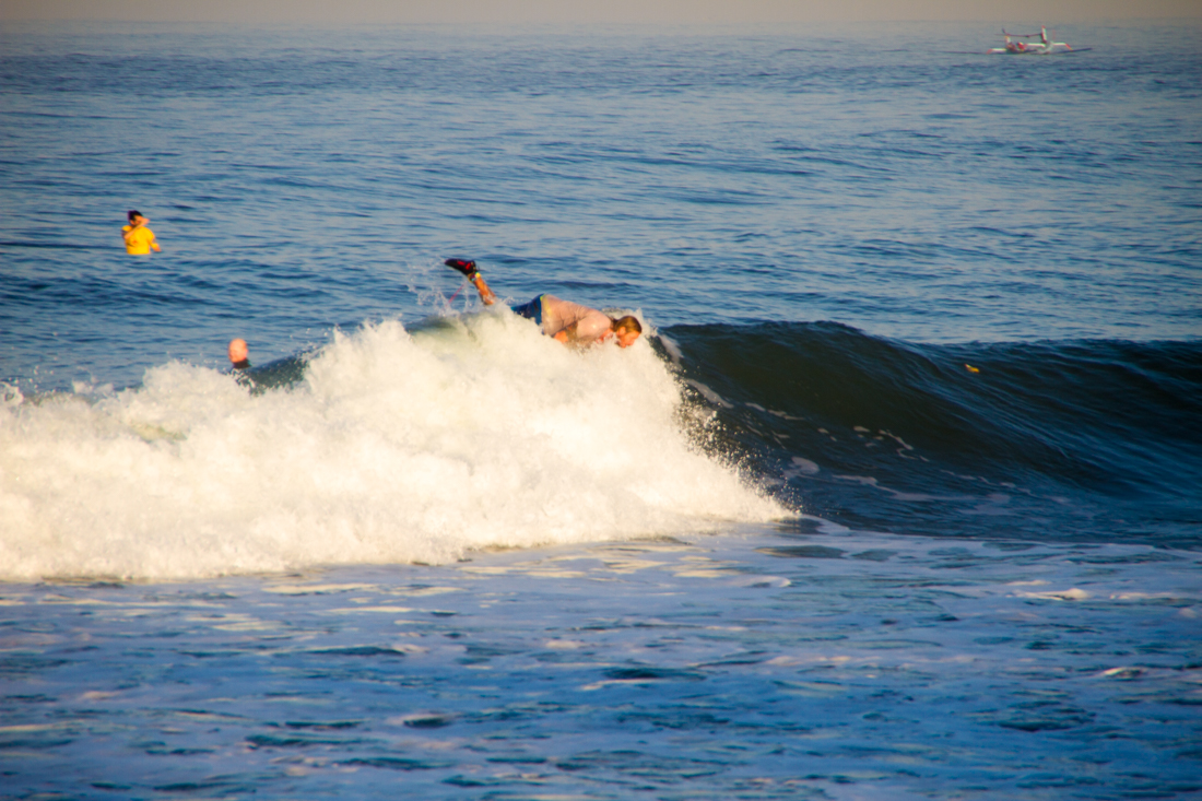 the-sidewalk-secrets-travel-blog-surf-surfing-sunset--7