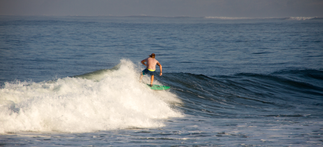 the-sidewalk-secrets-travel-blog-surf-surfing-sunset--9